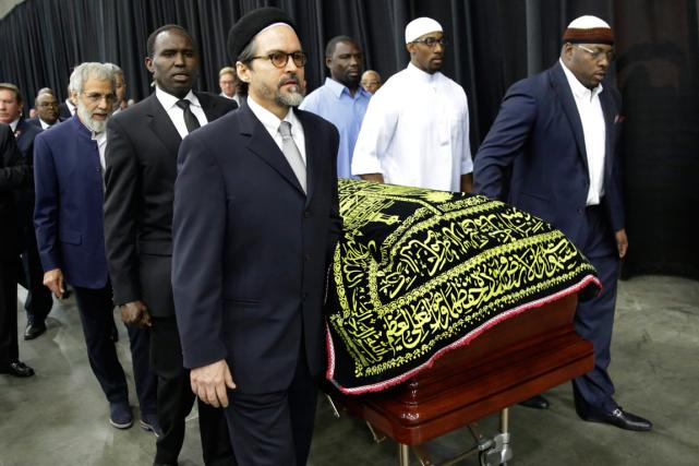 Les obsèques musulmanes de Muhammad Ali se sont... (Photo David Goldman, AP)