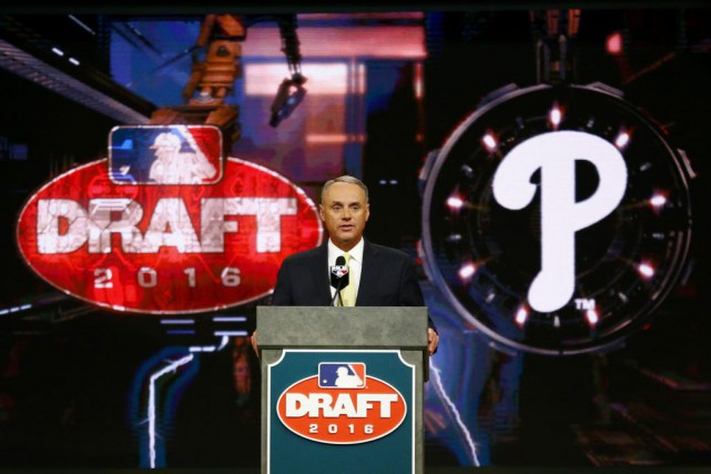 Le commissaire du Baseball majeur, Rob Manfred... (PHOTO Julio Cortez, AP)