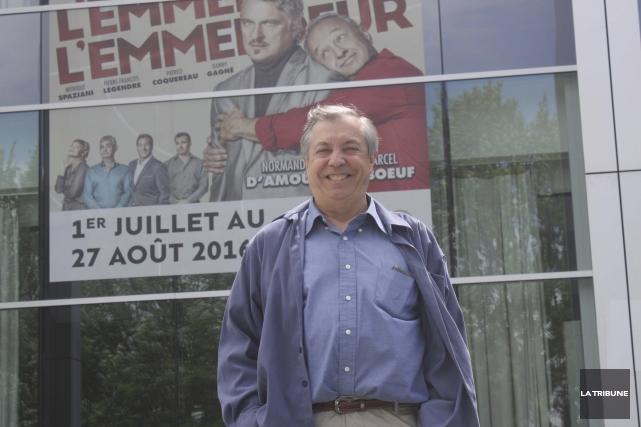 Normand Chouinard promet rires et action tout l'été... (La Tribune, Yanick Poisson)