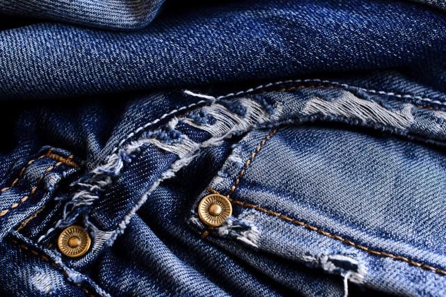 OPINIONS / Au début des années cinquante et avant, le jeans était davantage... (123rf)