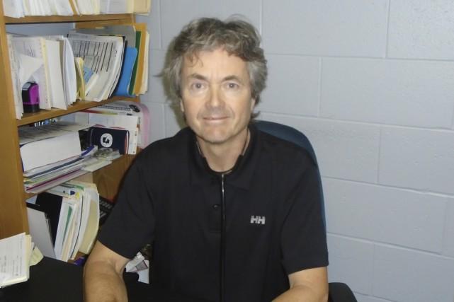 Le docteur Jacques Desroches participera au Grand défi... (Danny Gélinas)