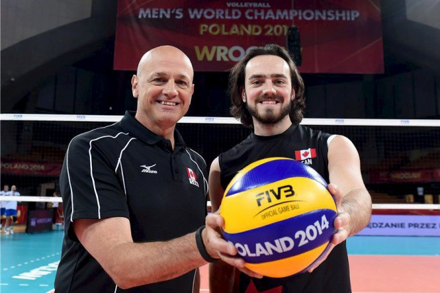 L'entraîneur de l'équipe nationale du Canada, Glenn Hoag,... (Volleyball Canada)