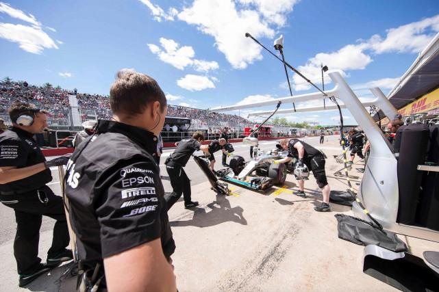 Selon le patron Toto Wolff, l'écurie Mercedes a... (AFP, GEOFF ROBINS)
