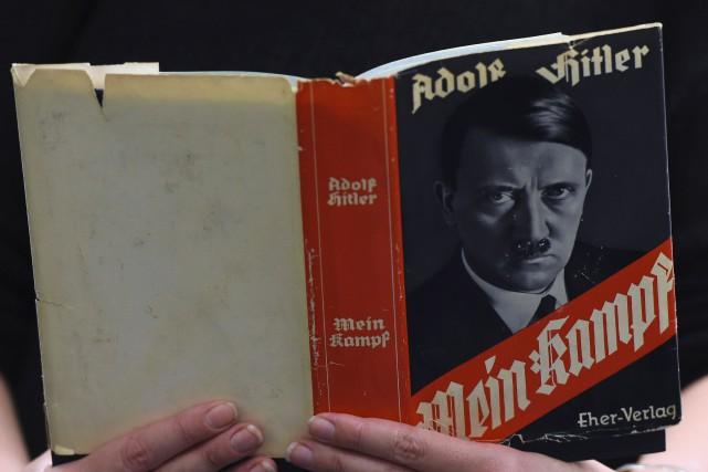 «LireMein Kampfest un véritable antidote aux toxines du... (PHOTO TOBIAS SCHWARZ, ARCHIVES AFP)