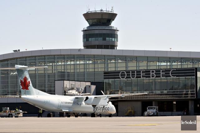 La bâtisse du centre de prédédouanementde l'aéroport de... (Photothèque Le Soleil, Patrice Laroche)