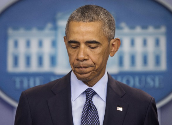 Barack Obama a profité de la fusillade survenue... (PHOTO Pablo Martinez Monsivais, ARCHIVES AP)