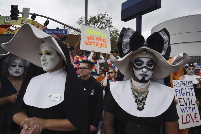 Le défilé de la fierté gaie de Los... (AFP, Mark Ralston)
