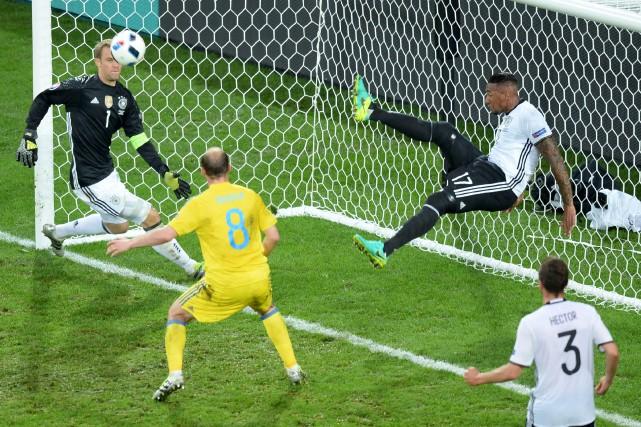 L'Allemand Jerome Boateng a sauvé la peau de... (AP)