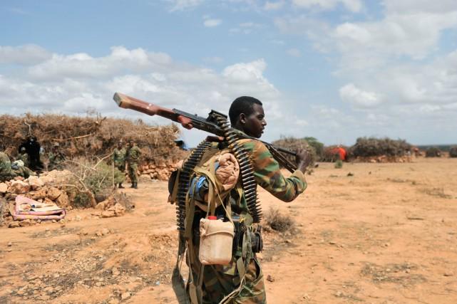 Un soldat éthiopien de l'AMISOM photographié alors qu'il... (PHOTO Ilyas Ahmed, ARCHIVES AFP/ AMISOM)