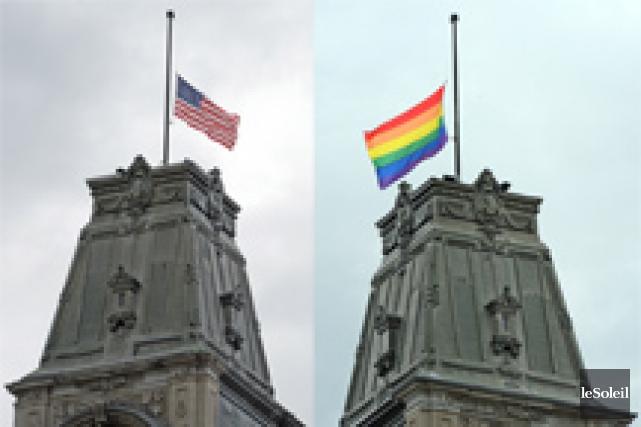 Les drapeaux des États-Unis et de la communauté... (Le Soleil, Erick Labbé)