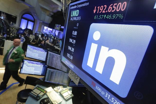 LinkedIn a cloturé en hausse de 46,64% à... (AP, Richard Drew)