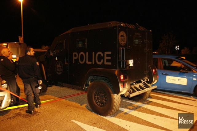 Les policiers de l'unité d'élite du Raid «sont... (PHOTO AFP)