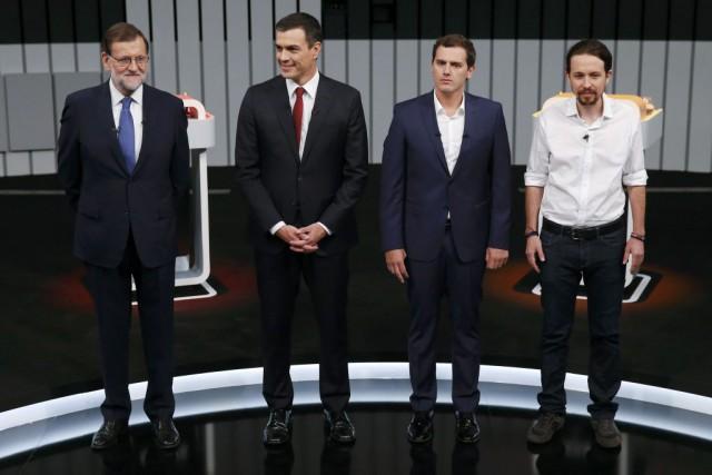 Mariano Rajoy, Pedro Sanchez, Albert Rivera et Pablo... (PHOTO JUAN MEDINA)