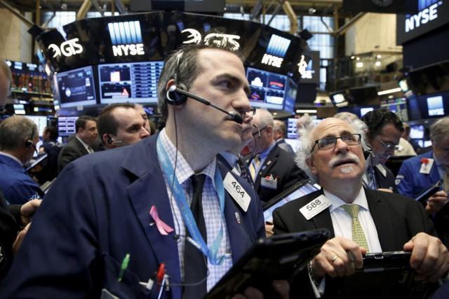 Wall Street a terminé en baisse pour une quatrième séance d'affilée mardi, ... (PHOTO BRENDAN MCDERMID, REUTERS)