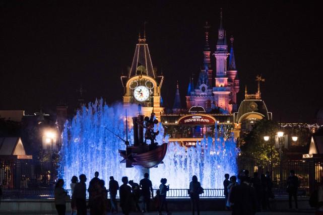 L'entrée principale du parc Disney de Shanghai.... (PHOTO AFP)