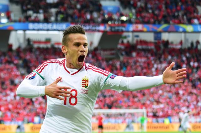 Zoltan Stieber célèbre après avoir marqué le deuxième... (Photo Attila Kisbenedek, AFP)