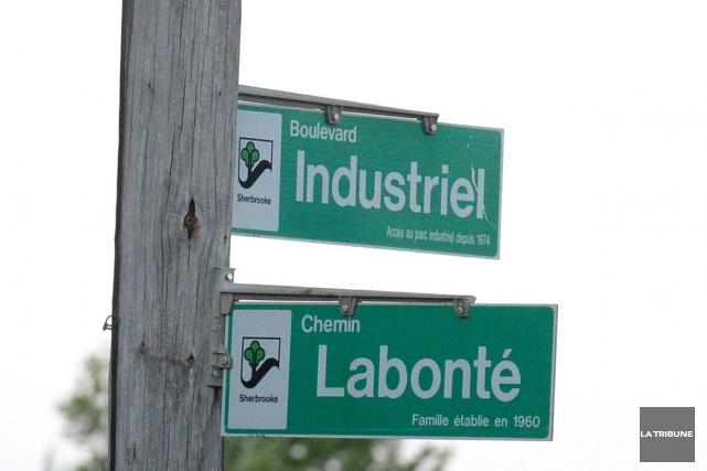 La circulation sur le boulevard Industriel dans le secteur Saint-Élie, entre le... (Archives La Tribune)