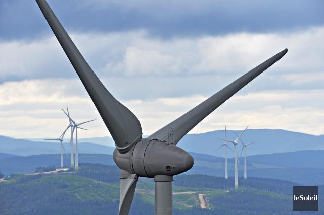 L'éolien représente actuellement une solution de production moins... (Photothèque Le Soleil, Pascal Ratthé)