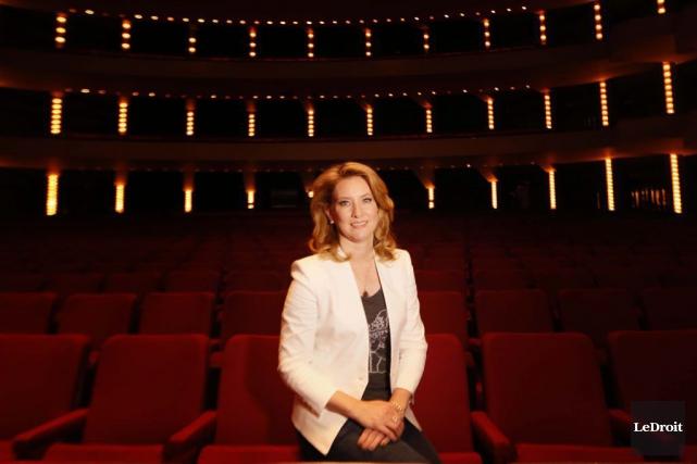 Eleanor McCain travaille sur l'enregistrement de pièces de... (Simon Séguin-Bertrand, LeDroit)