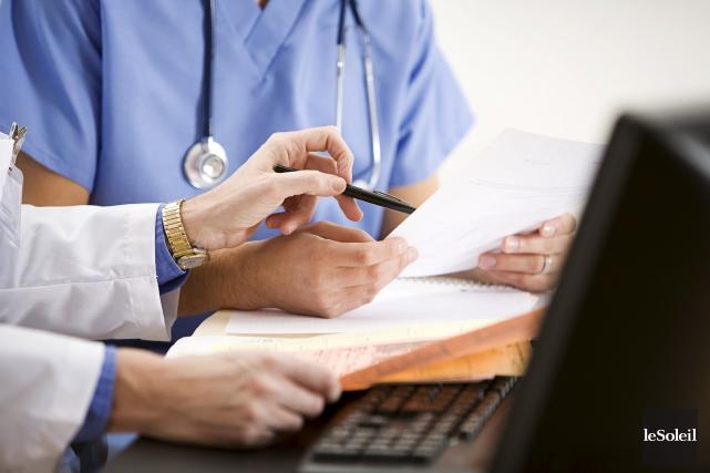 Les médecins québécois ont vu leur rémunération croître... (Photothèque Le Soleil)
