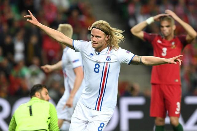 Birkir Bjarnason a créé l'égalité en deuxième demie.... (AFP)