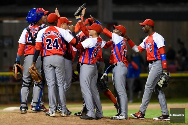 Les Cubains sont sortis vainqueurs du premier match... (François Gervais, Le Nouvelliste)
