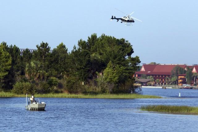 Les autorités de la Floride poursuivent les recherches... (Red Huber/Orlando Sentinel via AP)