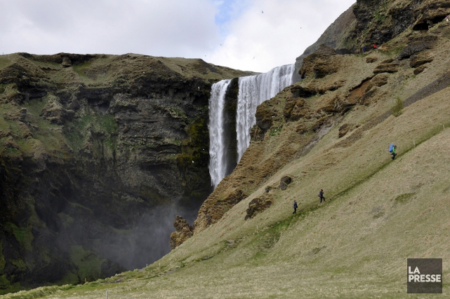 La chuteSkógafoss, haute de 62 mètres. Selon la... (PHOTO STÉPHANIE MORIN, LA PRESSE)