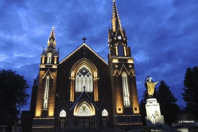 Le projet de mise en lumière de l'église... (La Tribune, Ronald Martel)