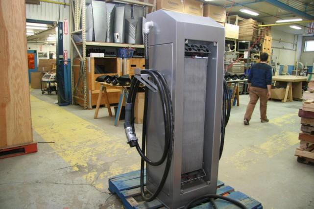 La firme Elmec fabrique des bornes de recharge... (photo fournie par elmec)