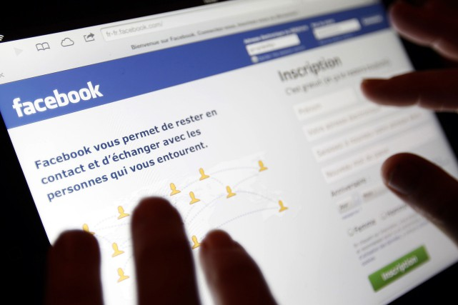 Des sites comme Twitter ou Facebook ont récemment... (Photo archives Reuters)