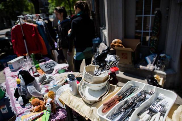 L'auteur recommande de faire l'achat d'objets d'occasion notamment... (PHOTO EDOUARD PLANTE-FRÉCHETTE, ARCHIVES LA PRESSE)