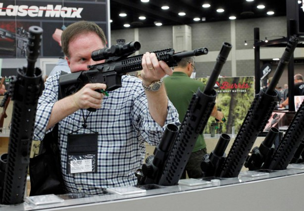 L'action des fabricants d'armes américains Sturm Ruger et Smith & Wesson... (PHOTO JOHN SOMMERS II, REUTERS)