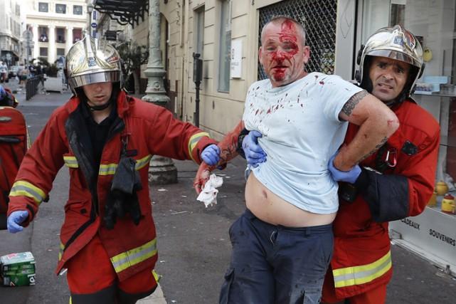 Les violences près du Vieux-Port de Marseille et... (PHOTO AP)