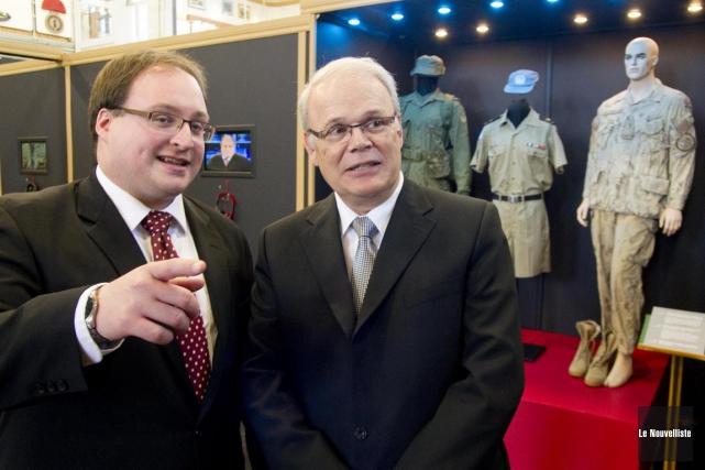 Le conservateur du Musée militaire de Trois-Rivières et... (Sylvain Mayer, Le Nouvelliste)