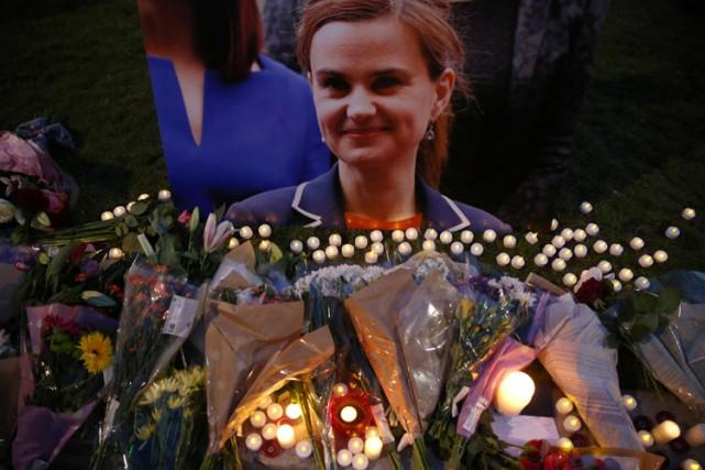 Jo Cox, députée travailliste pro-UE, a été tuée... (PHOTO REUTERS)
