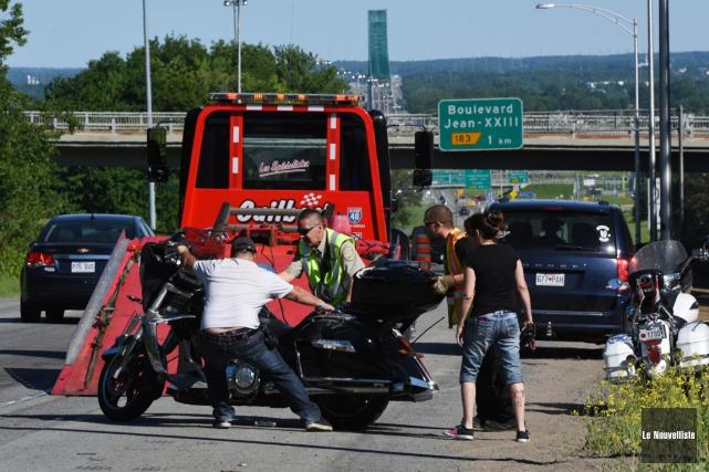 Accident de moto sur la 55 (François Gervais, Le Nouvelliste)