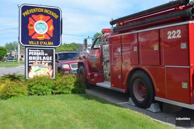 Ce sont les pompiers d'Alma qui interviennent sur... (Photo Le Quotidien, Laura Lévesque)