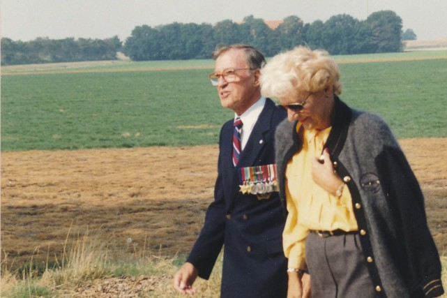 Gilles Lamontagne et sa femme Mary, en 1991,... (Photo fournie par le Fonds Gilles Lamontagne en dépôt au Musée naval de Québec)