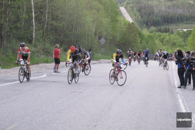 Plusieurs cyclistes ont relevé le défi que représentait... (Photo Le Quotidien, Stéphane Bégin)