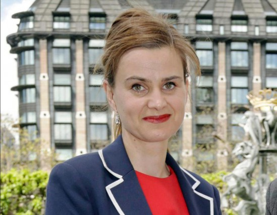 La députée Jo Cox... (PHoto Yui Mok, PA via Associated Press)