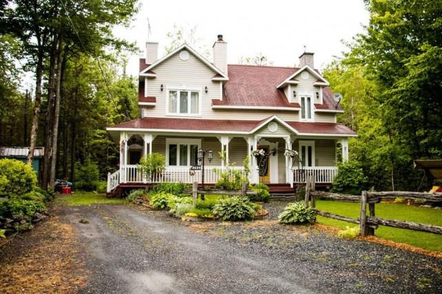 La maison de Saint-Georges a été construite en... (Photo fournie par Centris)