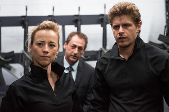 Karine Vanasse, Luc Picard et Alexandre Landry dans... (Photo Véro Boncompagni,fournie parClub Illico)