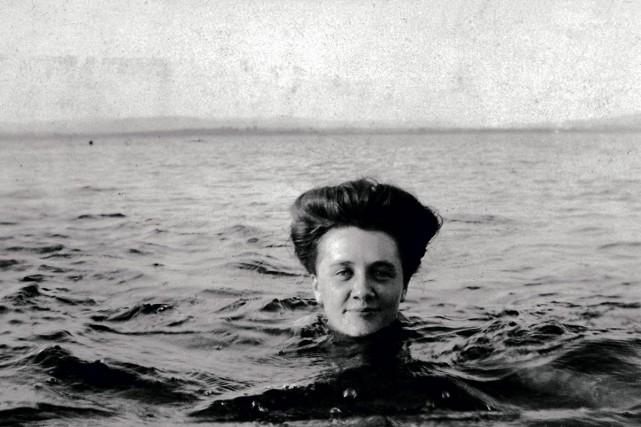 Une baigneuse à Métis-sur-Mer, Québec, 1906.... (Photo fournie par le musée McCord)