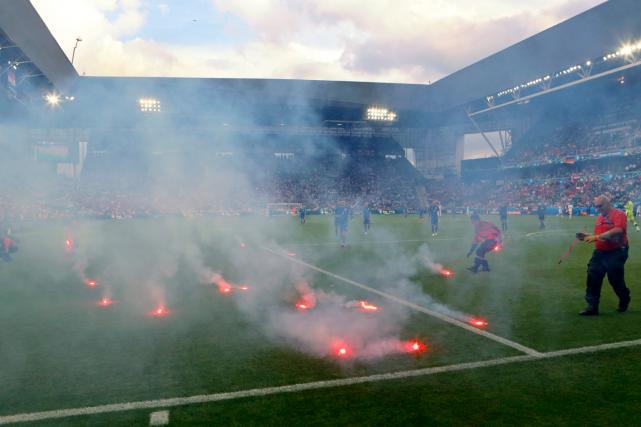 L'UEFA a infligé lundi une amende de 100... (Photo Darko Bandic, AP)