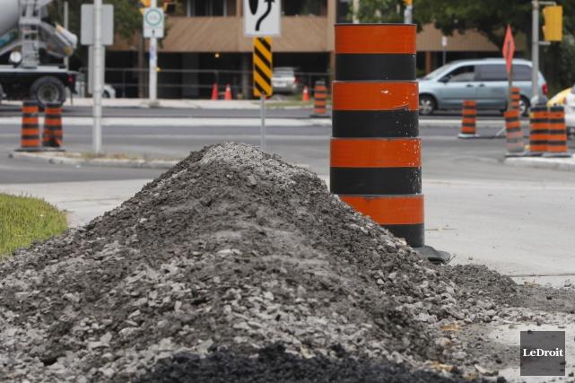 La saison haute des chantiers de construction et des cônes orange est... (Archives, LeDroit)