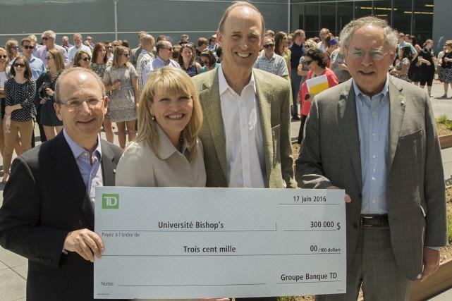 L'Université Bishop's a inauguré la nouvelle terrasse du... (Spectre Média, Marie-Lou Béland)