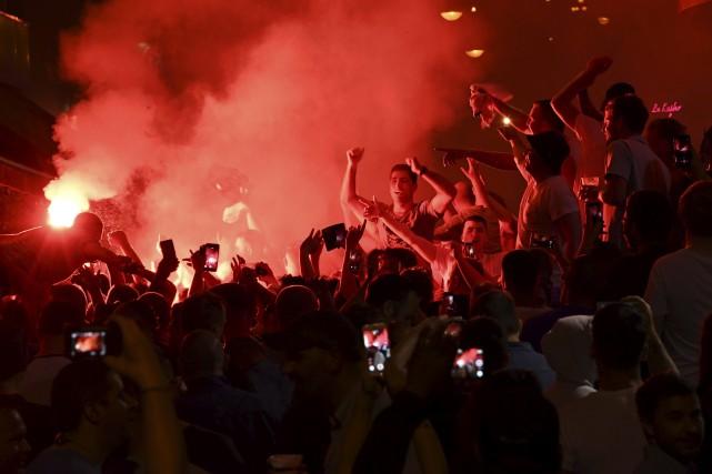 Des partisans anglais à Marseille à la veille... (AFP, Anne-Christine Poujoulat)