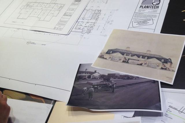 Les plans d'architectes de la future bibliothèque d'Arvida,... (Photo courtoisie)