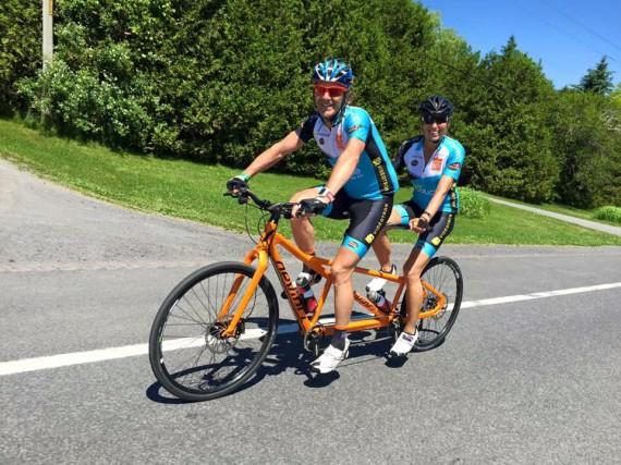 Pierre Lavoie et sa femme Lynne Routhier ont... (Photo courtoisie, Grand défi Pierre Lavoie)
